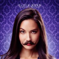 """Olivia Munn, Johnny Depp e outros de bigode nos cartazes de """"Mortdecai"""""""