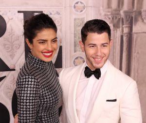 Nick Jonas e Priyanka Chopra se casam em cerimônia indiana