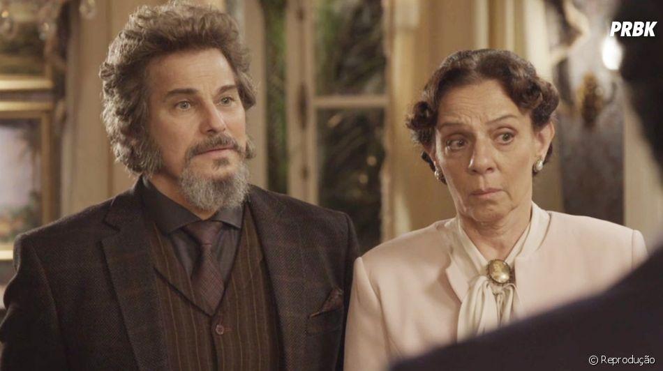 """Em """"O Tempo Não Para"""", Dona Augustina não quer convidar Carmen (Christiane Torloni) para a ceia da família e Marocas (Juliana Paiva) se revolta"""