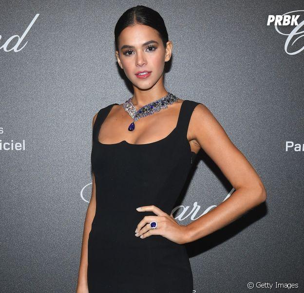 Bruna Marquezine na Vogue EUA  atriz faz tutorial de maquiagem do ... d5e6861b98