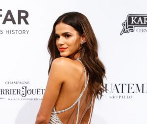 Depois de Kim Kardashian e Rihanna, Bruna Marquezine faz tutorial de maquiagem para a Vogue
