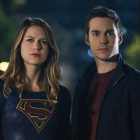 Supergirl e Mon-El estão noivos, só que na vida real: sim, Melissa Beinost e Chris Wood vão se casar