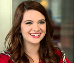 """Intérprete de Karma em """"Faking It"""", Katie Stevens brilhou na edição de 2009 do reality """"American Idol"""""""