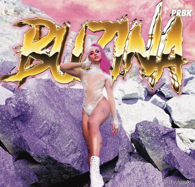 "Pabllo Vittar arrasa na coreografia no clipe de ""Buzina"""