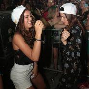Bruna Marquezine curte noite de baile funk no Rio com Thaila Ayala