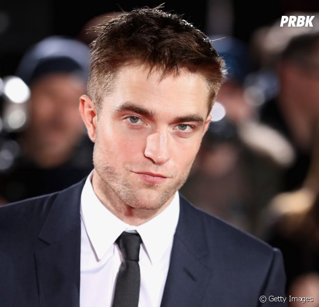 """Robert Pattinson, ex-ator de """"Crepúsculo"""", fala suas impressões após rever o filme """"Lua Nova"""""""