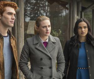 """Será que pode rolar um crossover entre """"O Mundo Sombrio de Sabrina"""" e """"Riverdale""""?"""
