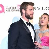 A forma que a Miley Cyrus olha para o Liam Hemsworth certamente vai fazer seu coração derreter