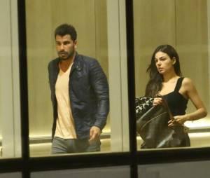 Recentemente, Isis Valverde e seu novo affair foram clicados em um shopping na Zona Oeste do Rio de Janeiro.