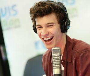 "Shawn Mendes lançou o clipe de ""If I Can't Have You"" na última sexta-feira (3)"