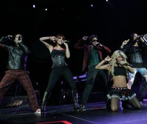 Dois integrantes do RBD voltam aos palcos para cantar antigos sucessos da banda!