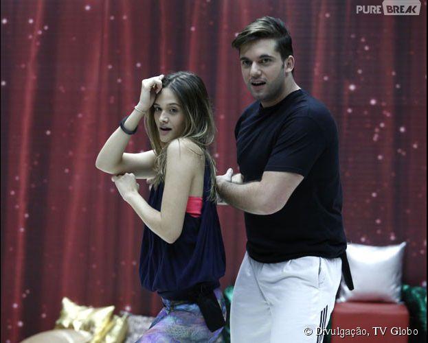"""Na """"Dança dos Famosos"""", Juliana Paiva curte o ritmo do sertanejo"""