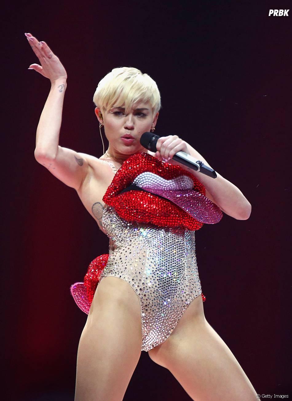 """Era """"Bangerz"""": Miley Cyrus foi acusada de apropriação cultural"""