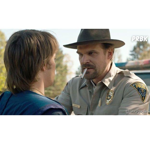 """Após reclamações, Netflix resolve evitar cenas com cigarros em """"Stranger Things"""" e outras séries"""
