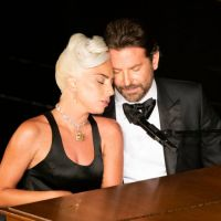 Estão dizendo por aí que a Lady Gaga e o Bradley Cooper estão morando juntos! Dá pra acreditar?