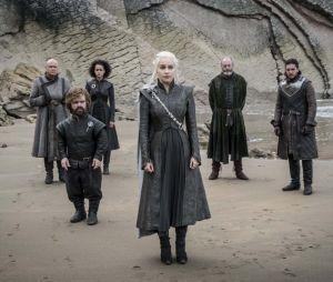 """De """"Game of Thrones"""": Sophie Turner revela que ficou triste com o abaixo-assinado feito pelos fãs para refazer a 8ª temporada da série"""