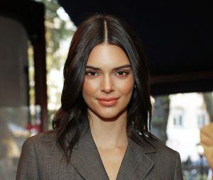 Kendall Jenner já surgiu com a pele mais escura e tranças no cabelo outras vezes