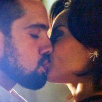 """Novela """"Império"""": Maria Clara e Vicente se beijam e Cristina vê tudo de longe!"""