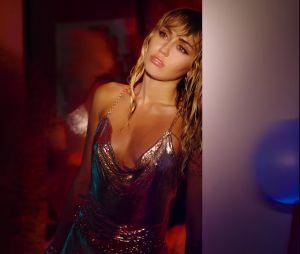 """Entenda as referências do clipe de """"Slide Away"""", da Miley Cyrus"""