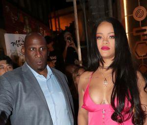 Teaser do desfile da SAVAGE X FENTY prova que Rihanna é mesmo um mulherão da po***