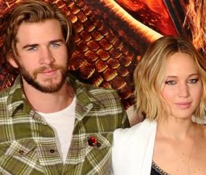 Liam Hemsworth se diz mais feliz agora que contou com a ajuda de Jennifer Lawrence para superar o fim do namoro com Miley Cyrus