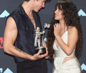 """Camila Cabello diz que nova música com Shawn Mendes, """"Señorita"""", ajudou a recuperar a conexão"""