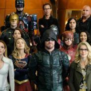 """Um herói importante morreu no crossover """"Crise nas Infinitas Terras"""" e os fãs ainda não aceitaram"""