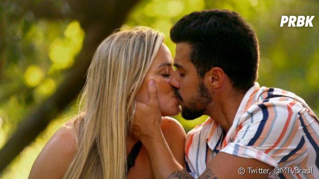 """""""De Férias com o Ex Brasil: Celebs"""": Lipe tentou fazer o mesmo jogo da 3ª temporada ao tentar ficar com duas ao mesmo tempo"""
