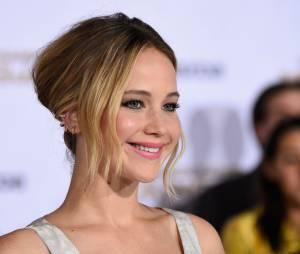 """O elenco de """"Jogos Vorazes: A Esperança - Parte 1"""" se reuniu para contar histórias sobre a protagonista Jennifer Lawrence"""