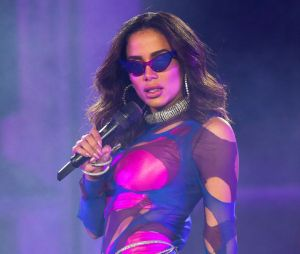 Anitta cancela parceria com MC Poze pode conta de comentário homofóbico