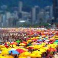 Verão é sinônimo de duas coisas: praias lotadas e farofeiros