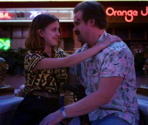 """Netflix compartilha vídeo com todo o elenco de """"Stranger Things"""" lendo o roteiro da 4ª temporada"""