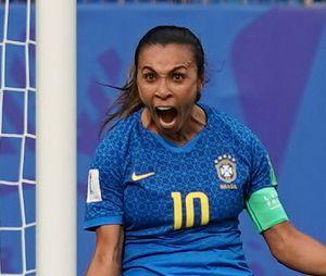 Marta é a maior artilheira da Seleção Brasileira, com mais gols que o Pelé