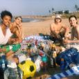 """A Barraca do Beijo 2"":Joey King, Joel Courtney,Meganne Young,Taylor Perez eMaisie Richardson Sellers fizeram até um picnic no intervalo das gravações"