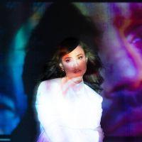 Sofia Carson lançará música nova nesta sexta (19) e você já pode ouvir um trecho