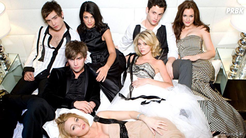 """Em live, Penn Badgley e Chace Crawford comentam sobre reboot de """"Gossip Girl"""""""