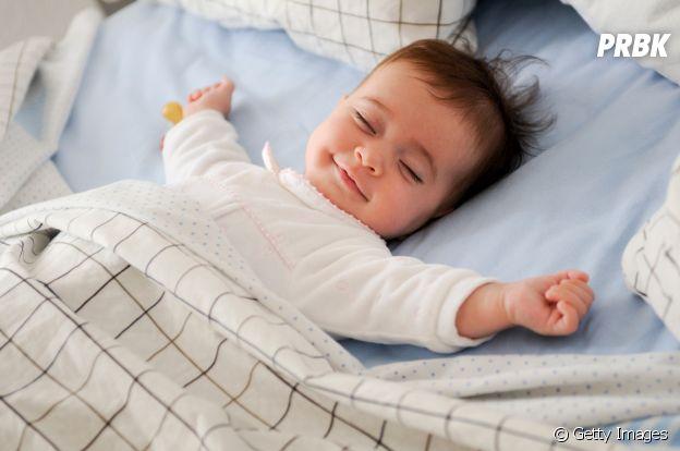 Todo mundo sonha: idosos, adultos, crianças e bebês. Uma dica: anote seus sonhos para lembrar deles