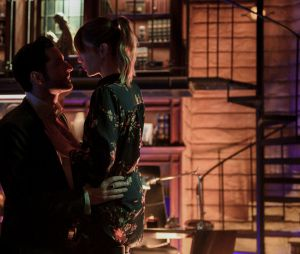 """Lucifer"": será que Lucifer (Tom Ellis) vai falar que ama Chloe (Lauren German)?"
