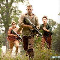 """Filme """"Insurgente"""": Tris, Four e Caleb aparecem em 1ª foto revelada do filme!"""