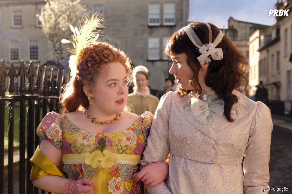 """Bridgerton"": Penelope Featherington (Nicola Coughlan) e Eloise Bridgerton (Claudia Jessie) são melhores amigas na história"
