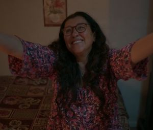 """""""Amor de Mãe"""": Lurdes (Regina Casé) descobriu que Danilo (Chay Suede) é Domênico e não contou pra ninguém, nem aos filhos"""