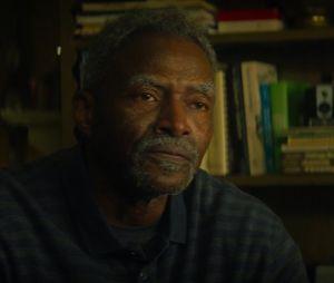 """Em """"Falcão e o Soldado Invernal"""", Isaiah Bradley (Carl Lumbly) expõe o racismo do governo americano"""