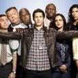 """""""Brooklyn Nine-Nine"""", série policial com uma pegada diferente de humor, pode ajudar na aprendizadem do inglês - Confira outras 7 opções"""