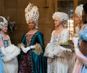"Spin-off de ""Bridgerton"" focará na Rainha Charlotte (Golda Rosheuvel), com as versões jovens de Violet Bridgerton (Ruth Gemmell) e Lady Danbury (Adjoa Andoh)"