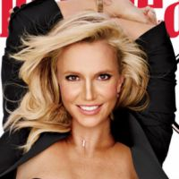 Britney Spears posa de biquíni para revista e na web criticam uso de Photoshop no ensaio!