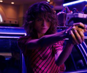 """Em """"Stranger Things 4"""", personagem deNancy aparece armada com uma espingarda"""