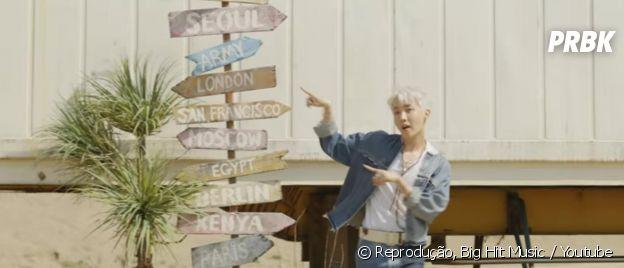 BTS: em clipe, J-Hope aparece com placas de países. Será um sinal?