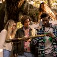 """A segunda temporada de """"Outer Banks"""" mostra John B. (Chase Stokes) e Sarah (Madelyn Cline) fugitivos e os Pogues superando seu desaparecimento, enquanto se envolvem em um novo mistério"""