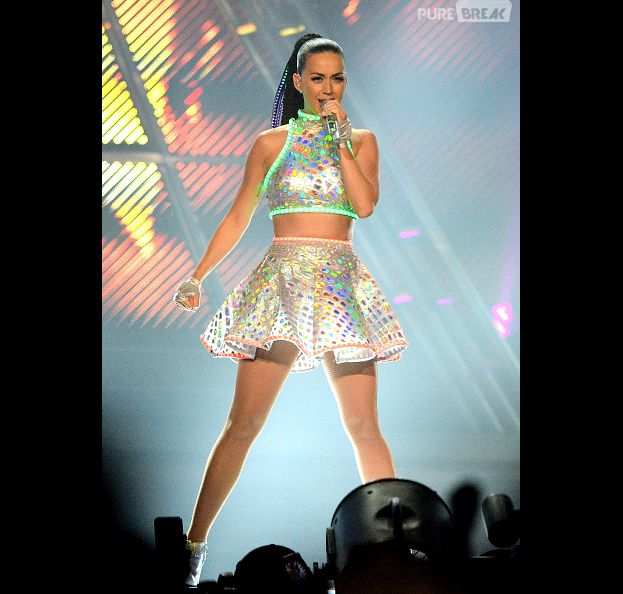 Katy Perry arrecada milhões em turnê na cidade de Sidney, Australia