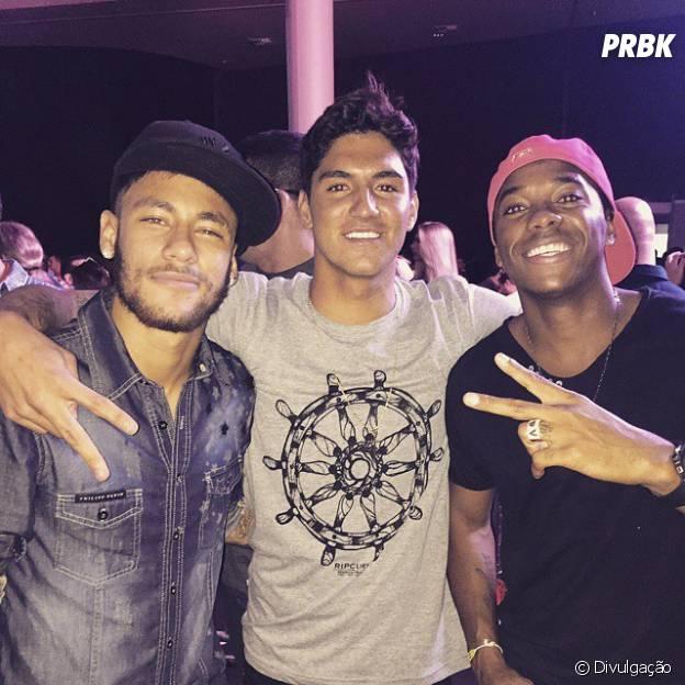 Gabriel Medina, Neymar Jr e Robinho em festa